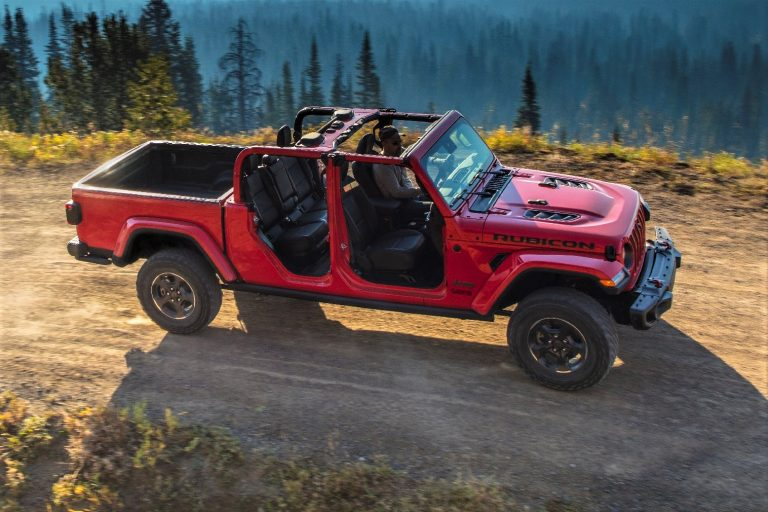"Jeep unveils long-awaited Gladiator: ""Most awesome midsize pickup ever"""