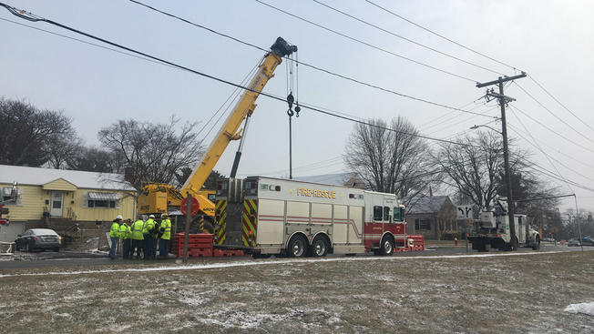 Crane Hits Power Lines in Wethersfield