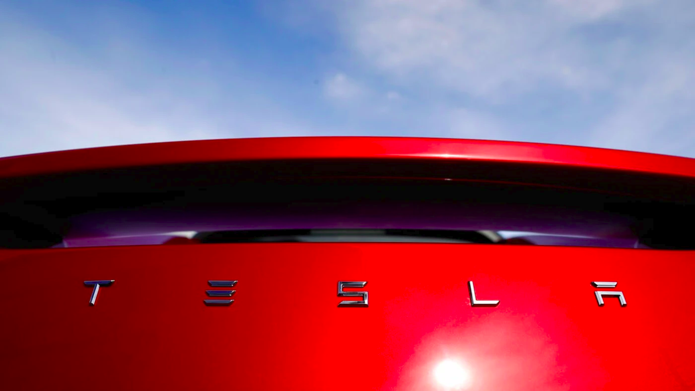 Tesla Picks 2 Cities as Finalists for New Factory